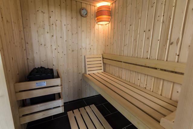 Le tri ves espace d tente jacuzzi et sauna for Sauna la detente