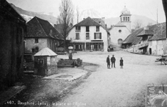 Photo : Place du village en 1910