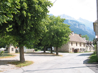 Photo : La place du village